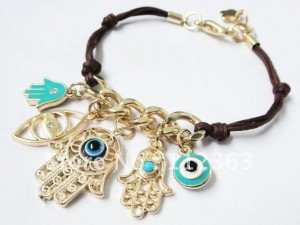 Amuleto Hamsa e1346088083267 300x225 - Como protegerte del mal de ojo