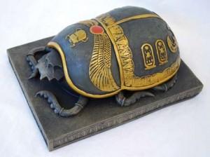 El escarabajo sagrado e1347753196103 300x224 - Símbolos esotéricos del Antiguo Egipto