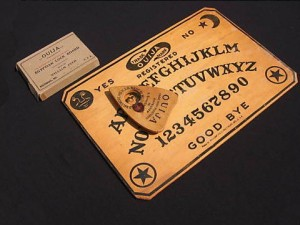 Ouija estas preparado para jugar e1350244098146 300x225 - Ouija, ¿estás preparado para jugar?