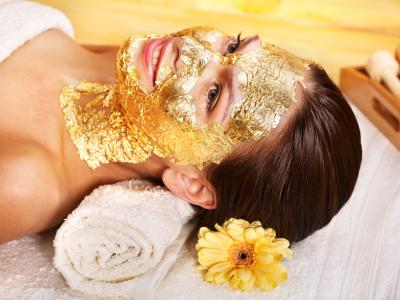 Tratamiento facial con oro