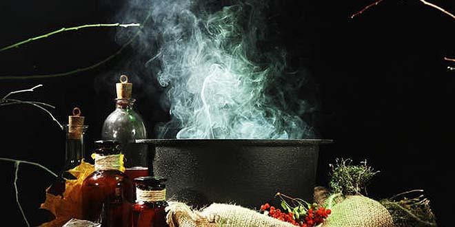 herramientas bruja - Los calderos y los grimorios, herramientas de la bruja